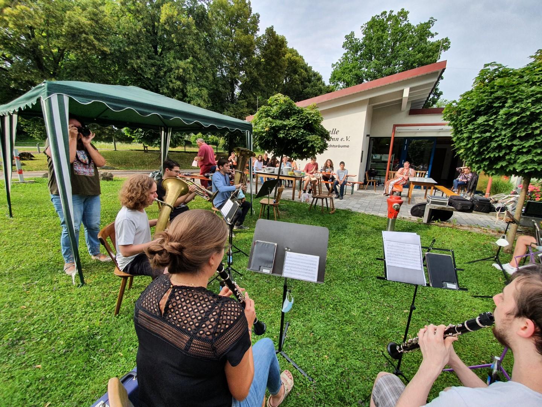Read more about the article Bläserklassen und Bläserjugend verabschieden sich in die Ferien