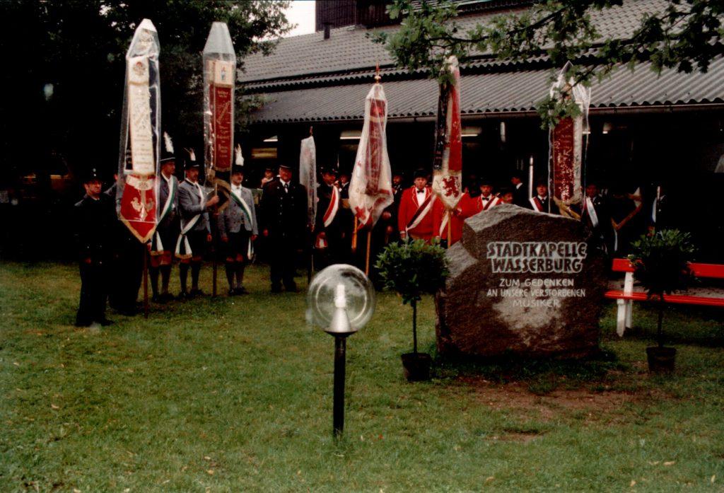 1993 - Einweihung des Gedenkstein