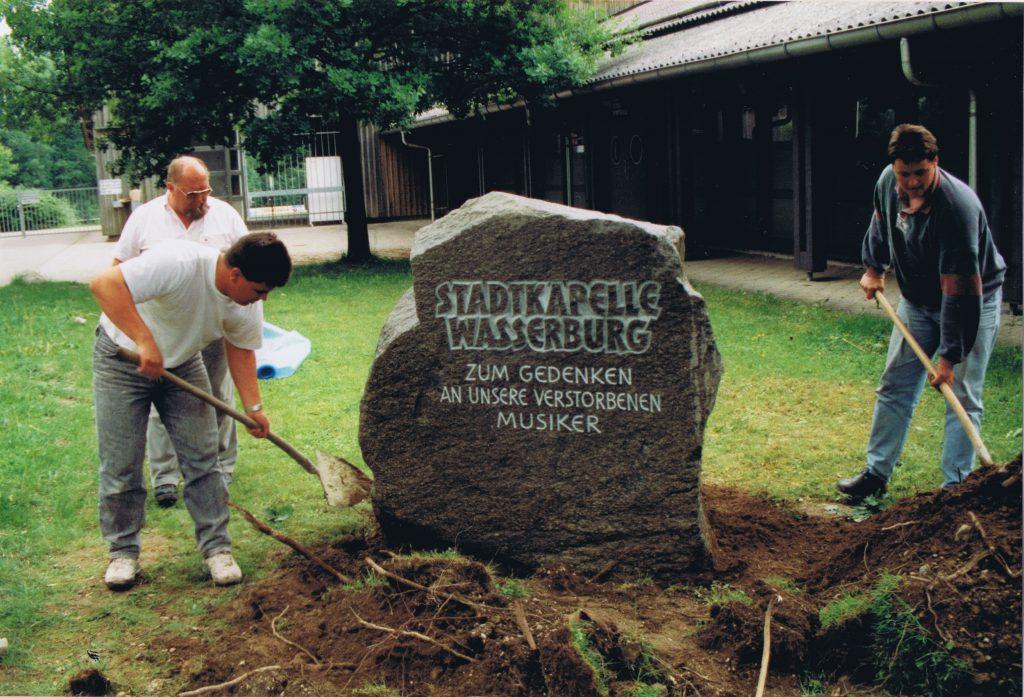 1993 - Gedenkstein 2